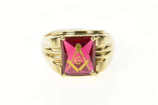 10K Retro Men's Masonic Etched Syn. Ruby Yellow Gold Ring, Size 12