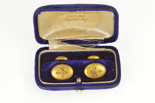 10K Victorian Seed Pearl Fleur De Lis Yellow Gold Cuff Links