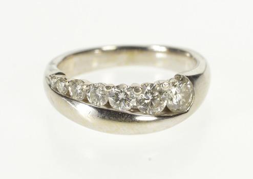 14K 0.92 Ctw Graduated Diamond Wedding Band White Gold Ring, Size 7.25