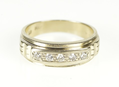 14K Diamond Inset Grooved Classic Wedding Band Yellow Gold Ring, Size 7.25