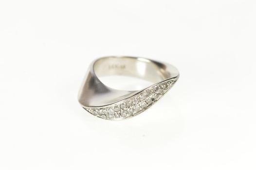 14K Diamond Inset Ornate Wave Mobius Streak Band White Gold Ring, Size 3