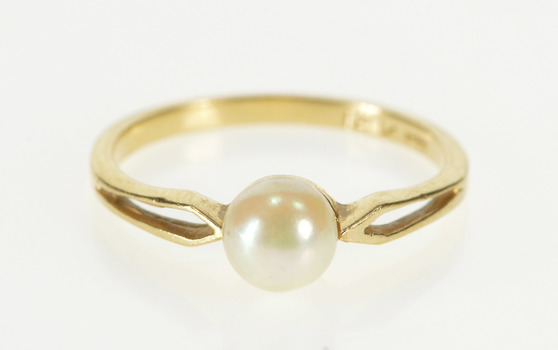 14K Pearl Solitaire Inset Retro Engagement Yellow Gold Ring, Size 5.75