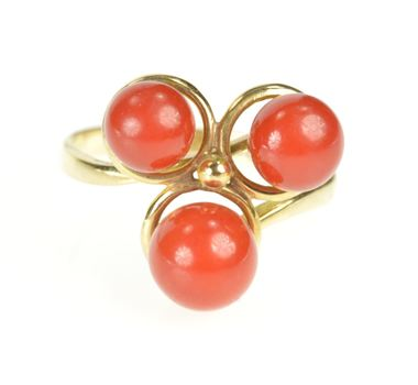 14K Retro 1960's Coral Sphere Ball Statement Yellow Gold Ring, Size 7