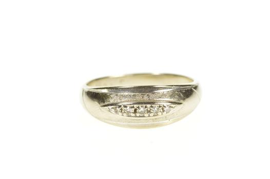 14K Retro Graduated Diamond Wedding Band White Gold Ring, Size 8.25