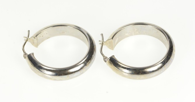 14K Rounded Simple Classic Fashion Hoop White Gold Earrings