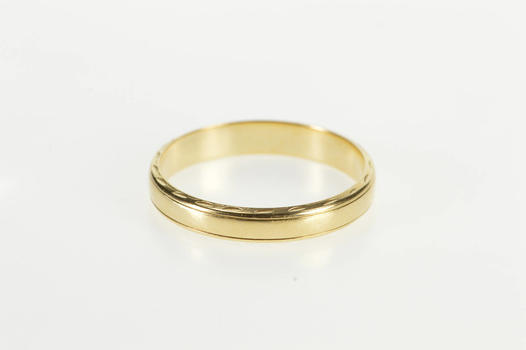14K Scalloped Pattern Trim Rounded Wedding Band Yellow Gold Ring, Size 8.75