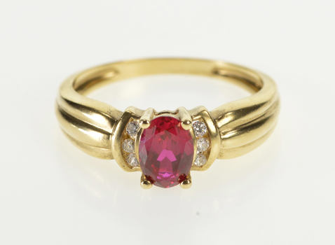 14K Syn. Ruby Cubic Zirconia Scalloped Design Yellow Gold Ring, Size 7.75