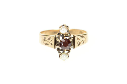 14K Victorian Etched Vine Garnet Seed Pearl Yellow Gold Ring, Size 7.25