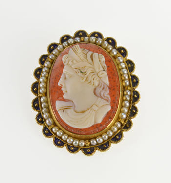 14K Victorian Ornate Seed Pearl Carved Shell Cameo Yellow Gold Pin/Brooch
