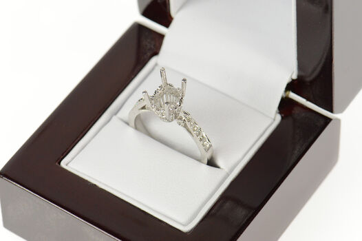 18K Oval Cut 0.18 Ctw Diamond Engagement Setting White Gold Ring, Size 6.75