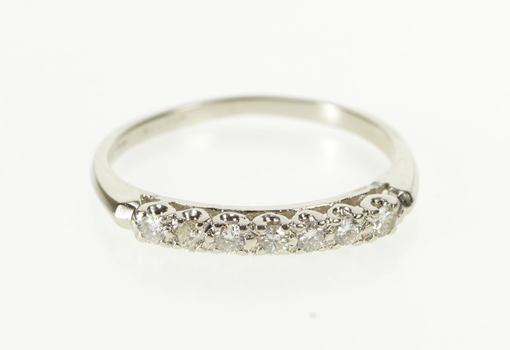 Platinum 0.15 Ctw Diamond Classic Wedding Band Ring, Size 6.75