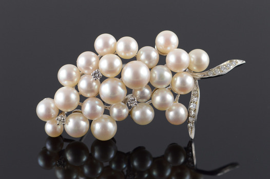 Starts @ Cost - 14K 0.34 Ctw Diamond & Pearl Cluster Leaf White Gold Pin/Brooch