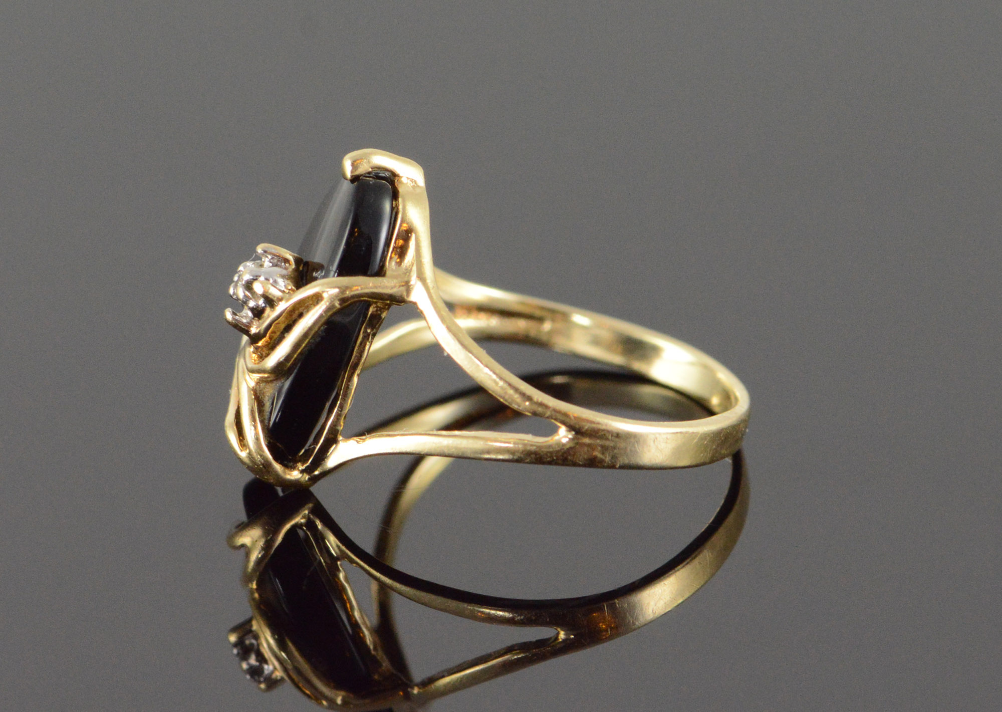 10k 1 3g Black Onyx Diamond Accent Wrap Yellow Gold Ring