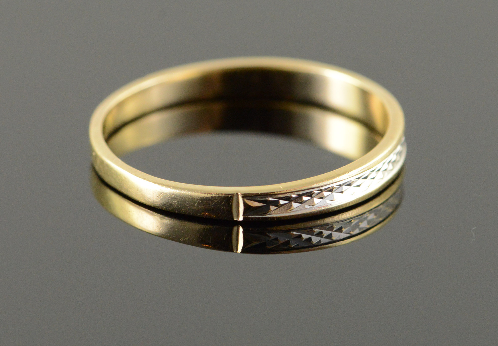 10k 1 4g Two Tone Textured Vintage Wedding Band Yellow Gold Ring Size 8 75