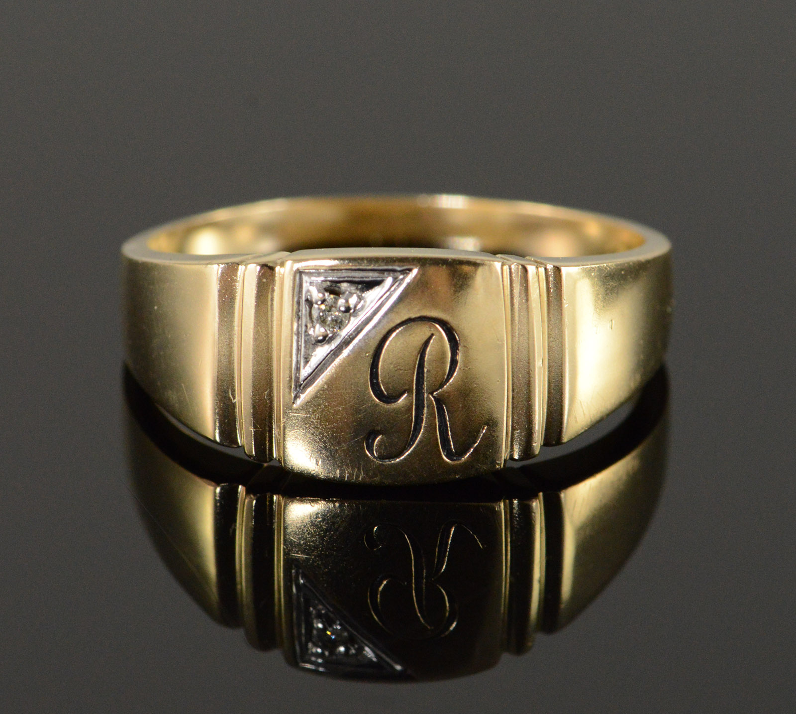 Well-liked 10K 5.3g Diamond R Monogram Initial Letter Men's Yellow Gold Ring  WL31