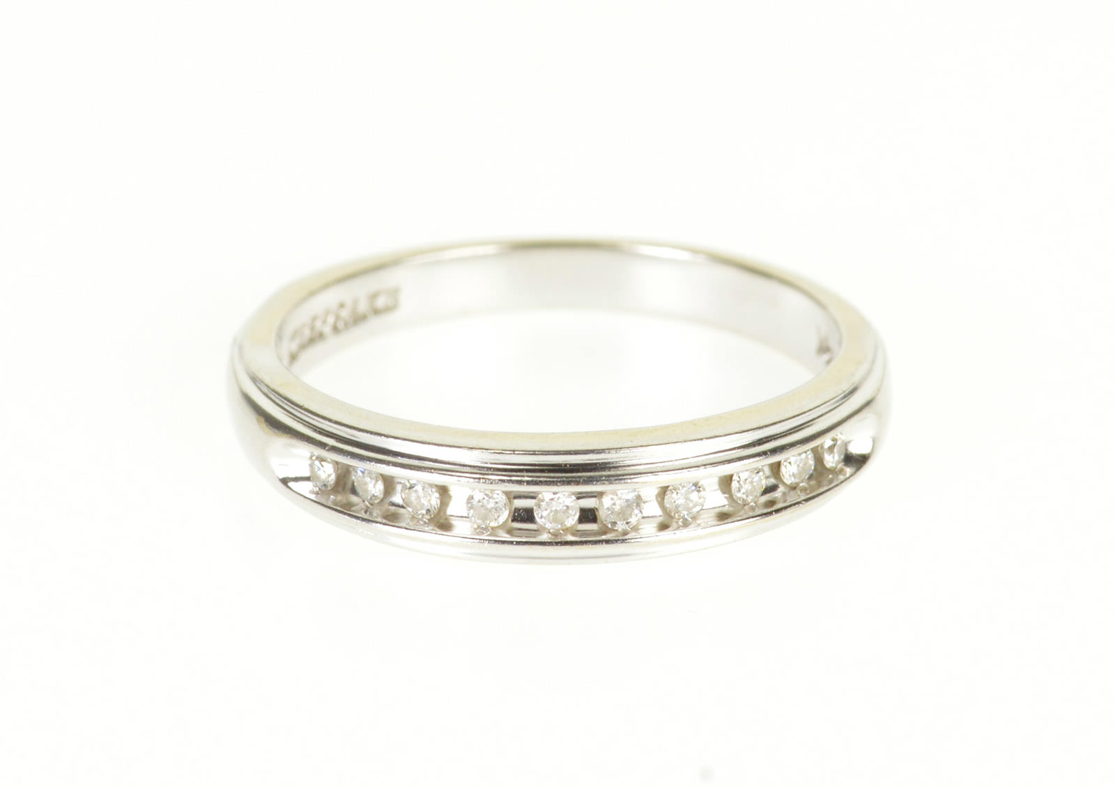 14k 0 10 Ctw Channel Inset Diamond Wedding Band White Gold Ring Size 7 Property Room