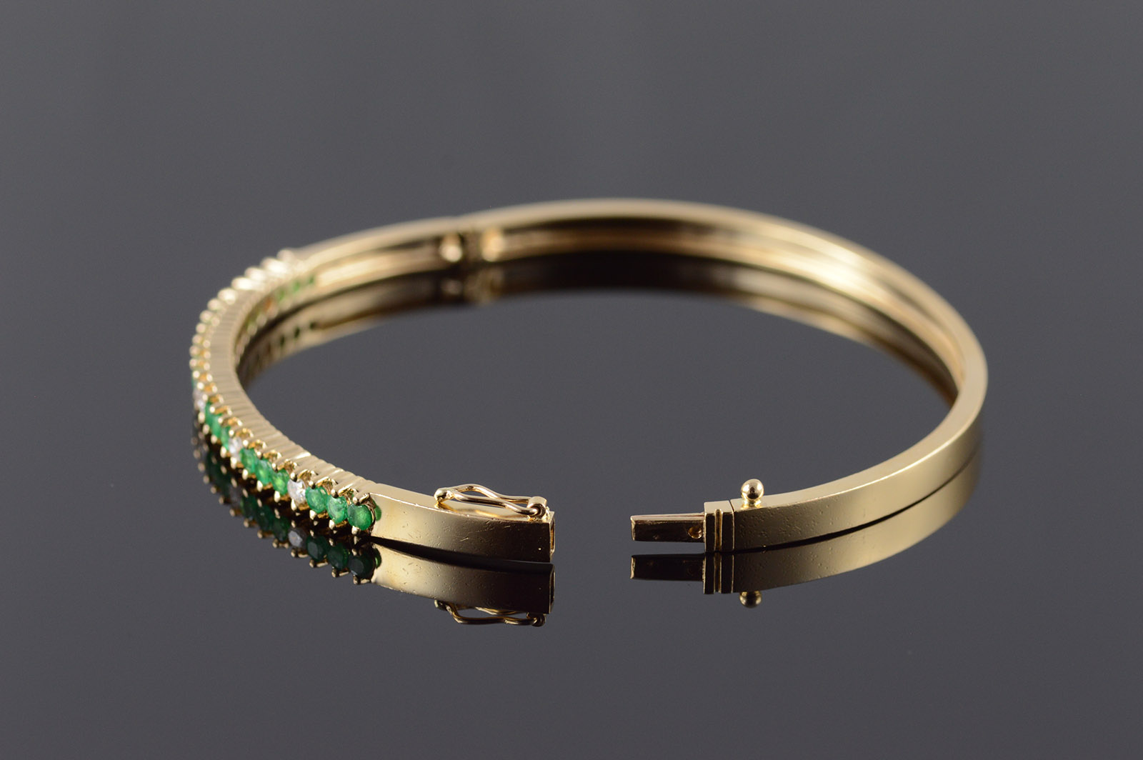 14k 0 70 Ctw Emerald Diamond Bangle Hinged Yellow Gold