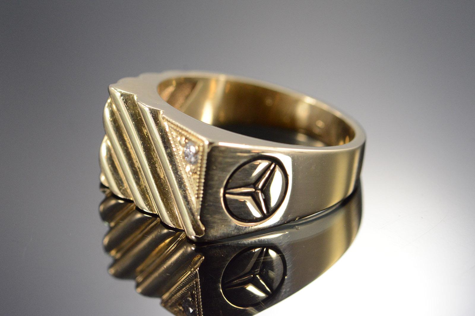 14k 10 3g 0 03 Ctw Diamond Mercedes Men S Yellow Gold Ring