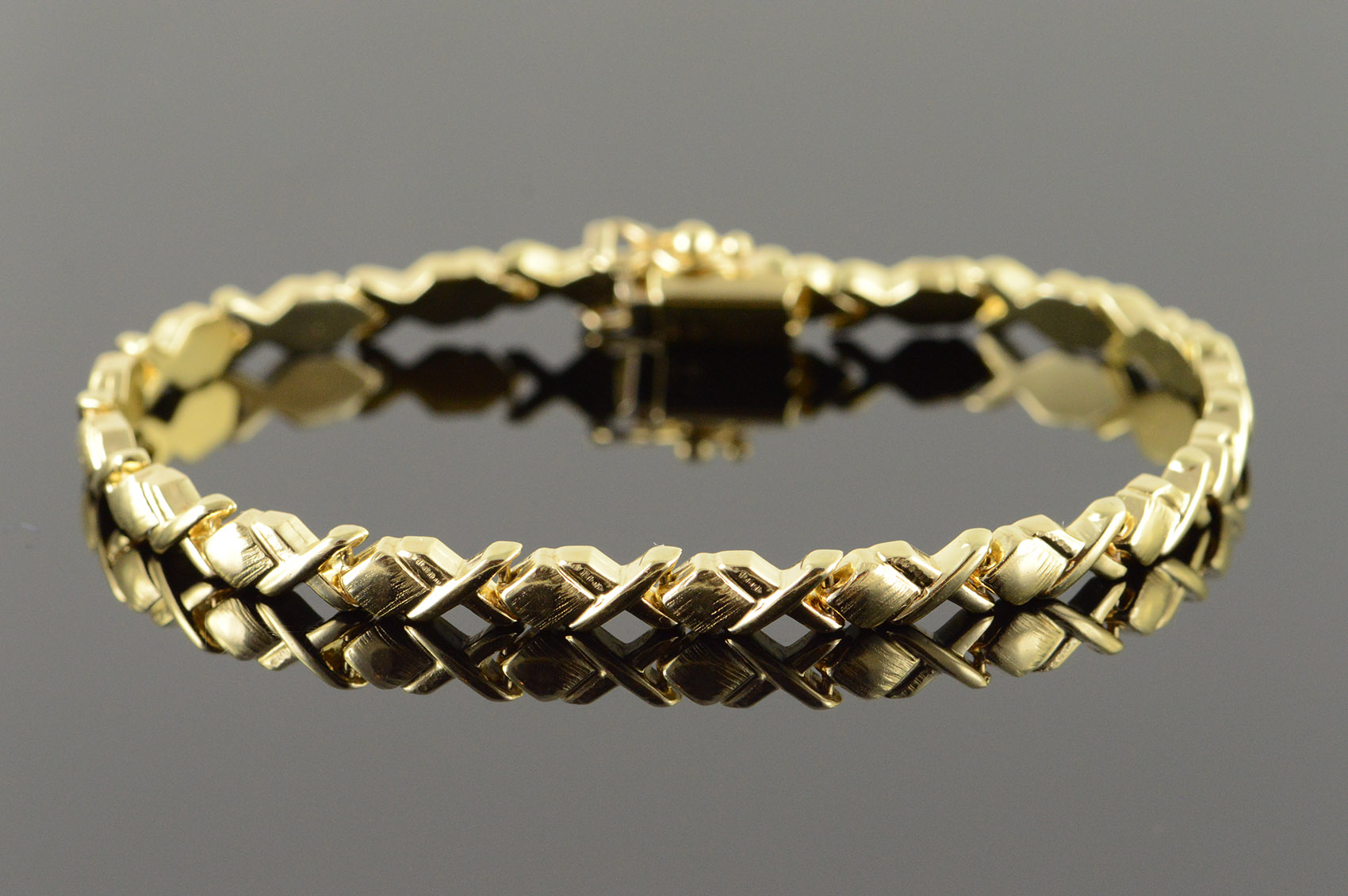 e8d0bd41105116 14K Heavy Designer - Black Onyx Mother of Pearl Bangle Yellow Gold ...