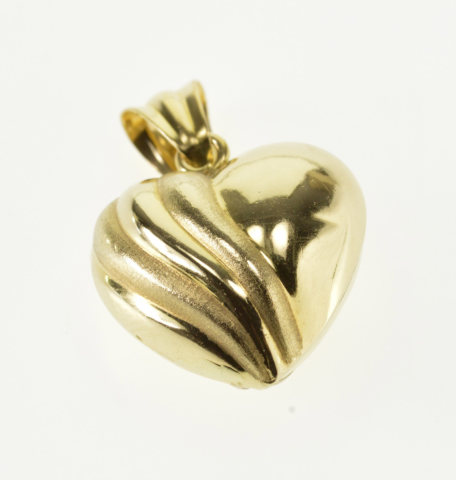 14k Puffy Scalloped Pitted Textured Heart Yellow Gold