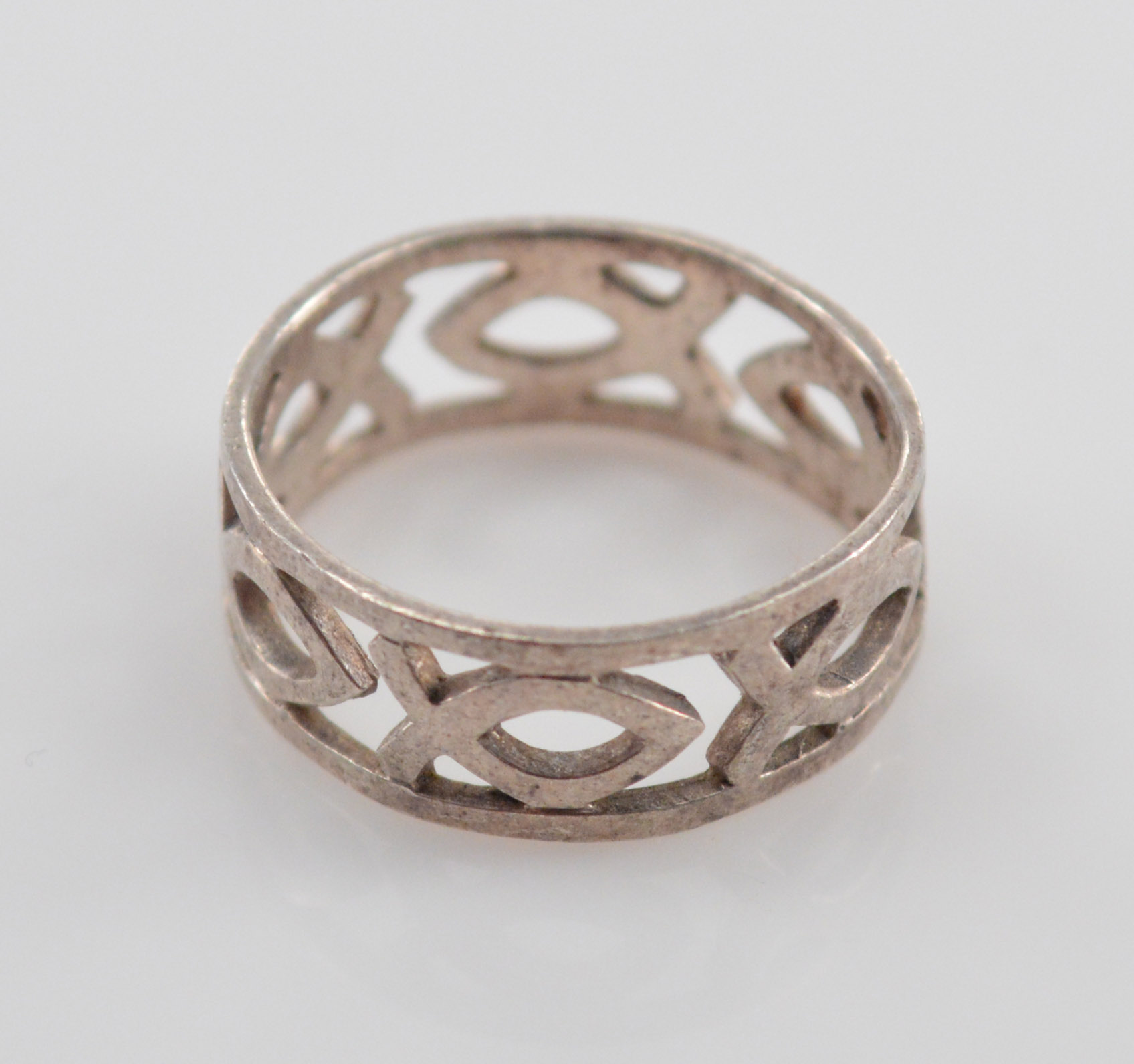 26g Solid Silver Christian Fish Symbol Cut Out Band Sterling Ring