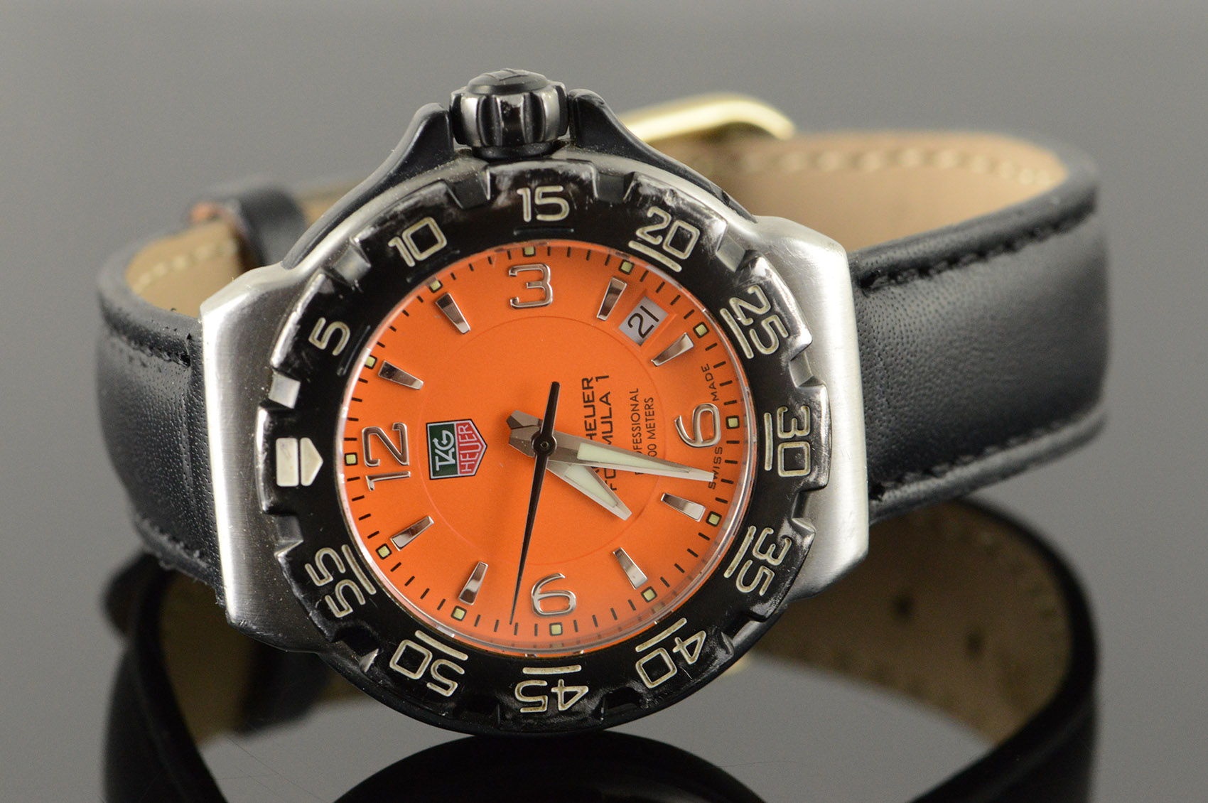 34mm Rare Orange Tag Heuer Formula 1 Quartz Professional