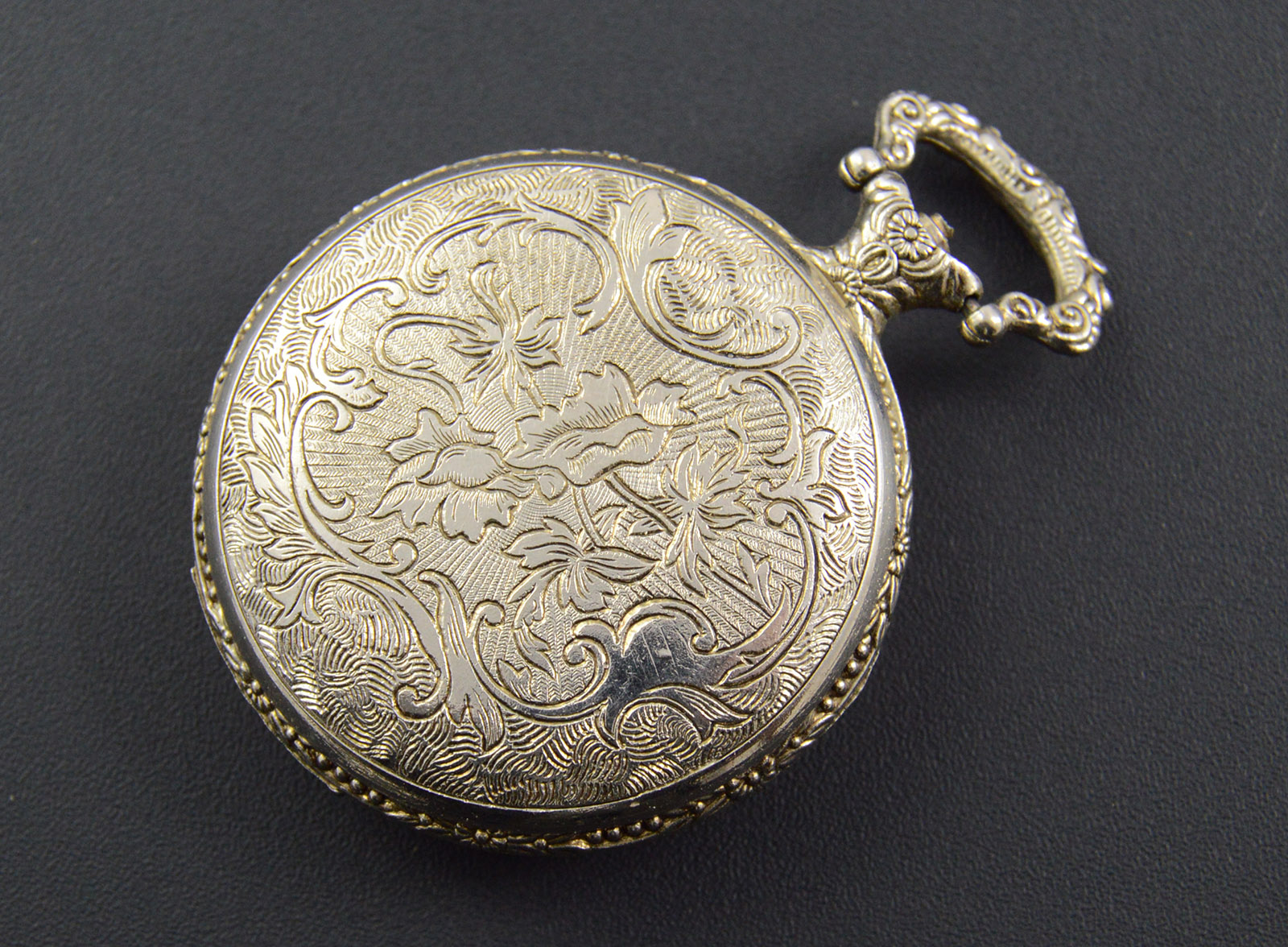 641g vintage lucerne 343 mm face pocket watch property