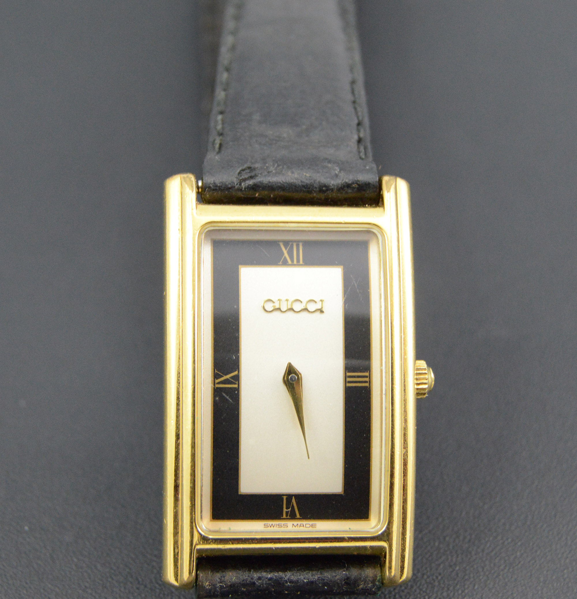 Gucci Gold Plated Rectangular Black Leather Strap 27.5x17