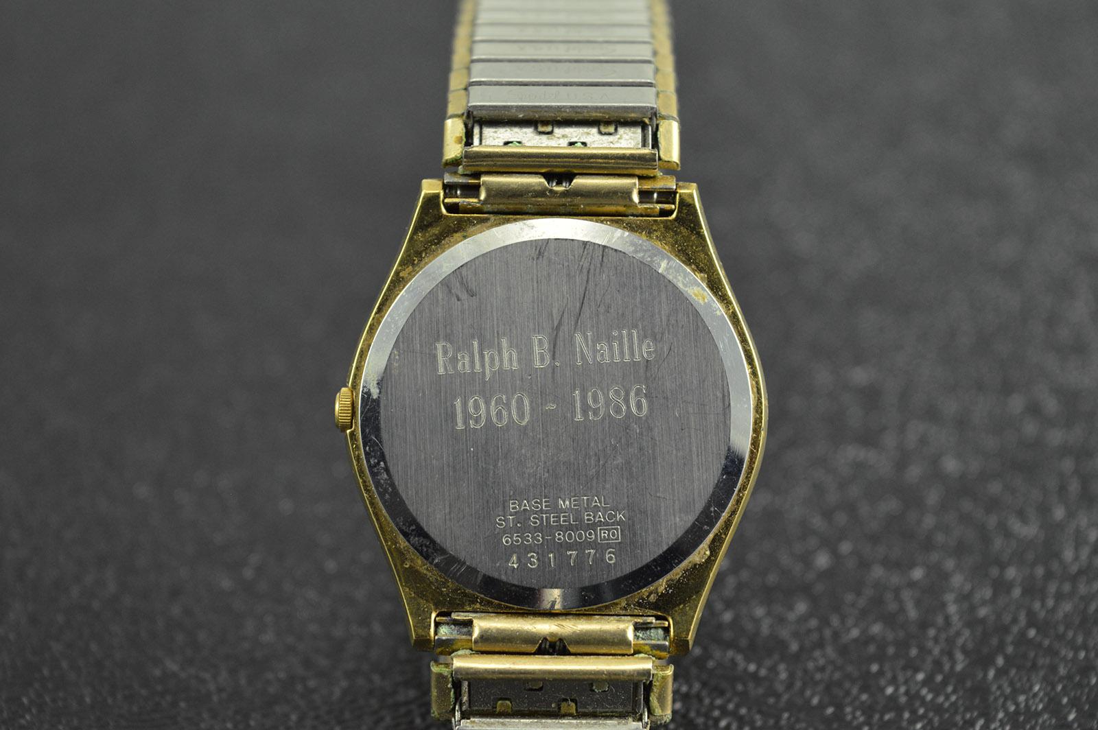 seiko quartz gold plated brushed finish round 283mm face