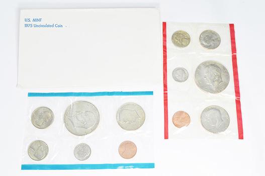 1975 Uncirculated U.S. Mint Set - 12 Coins P & D Including 2 Bicentennial Eisenhower Dollars