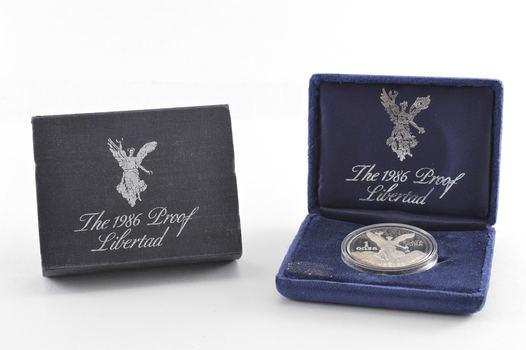 1986 Mexico 1 Onza Silver Proof Libertad - Velvet Display Box