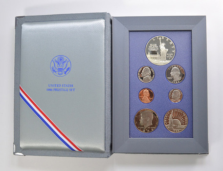 1986 Statue of Liberty Prestige Deep Cameo Proof Set as Issued by US Mint - Includes Statue of Liberty Half and Silver Dollar