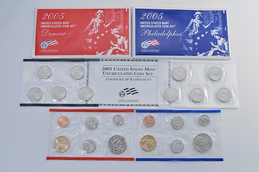 2005 Official U.S. Mint Set P & D - 22 Uncirculated Coins with Satin Finish Including State Quarters