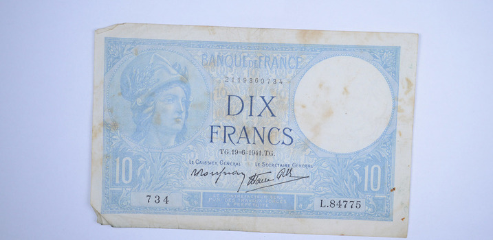 Historic World Bank Note - Beautiful Art Work! Collectible Currency