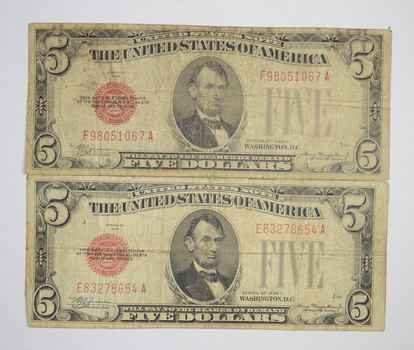 Tough Lot of 2 1928 C & C $5.00 Early Red Seal United States US Note
