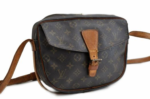 Louis Vuitton Monogram Sadle Crossbody Jeune Fille Handbag Shoulder Bag MSRP $2299
