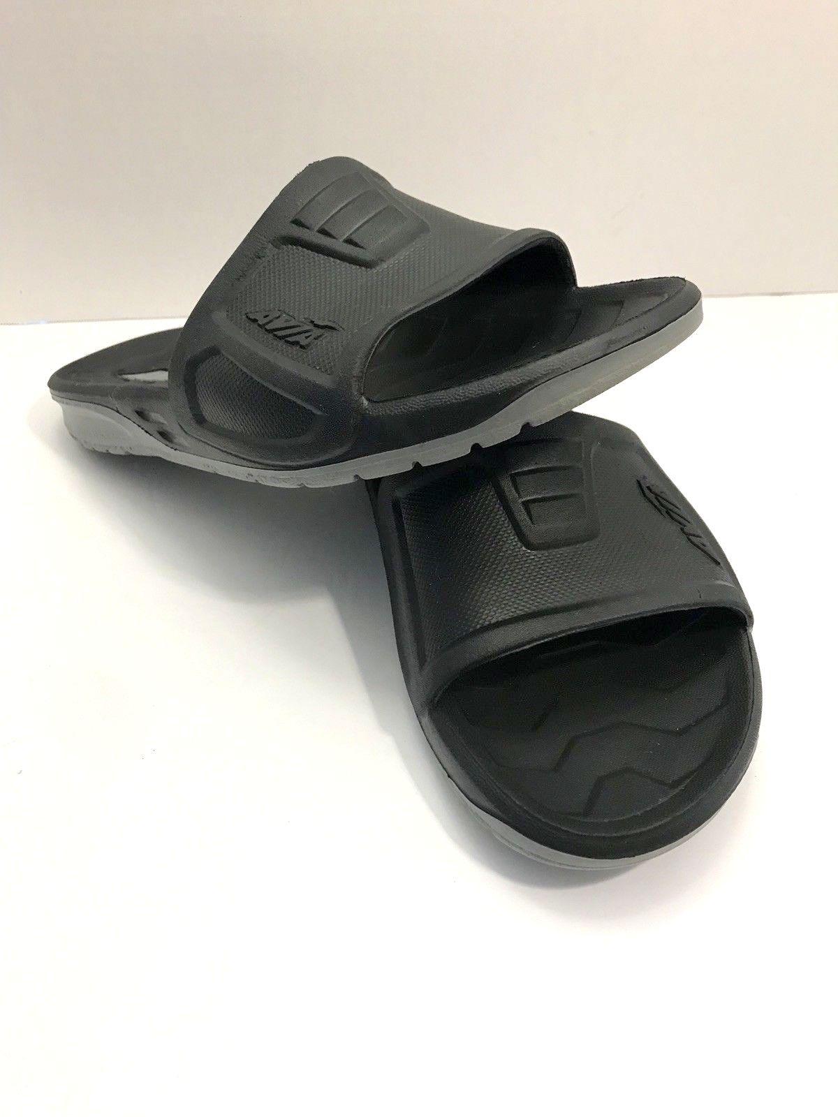 5cf0fba4c3dd New Avia BRACE SLIDE Mens 11 Black Gray Molded Slide Flip Flops ...