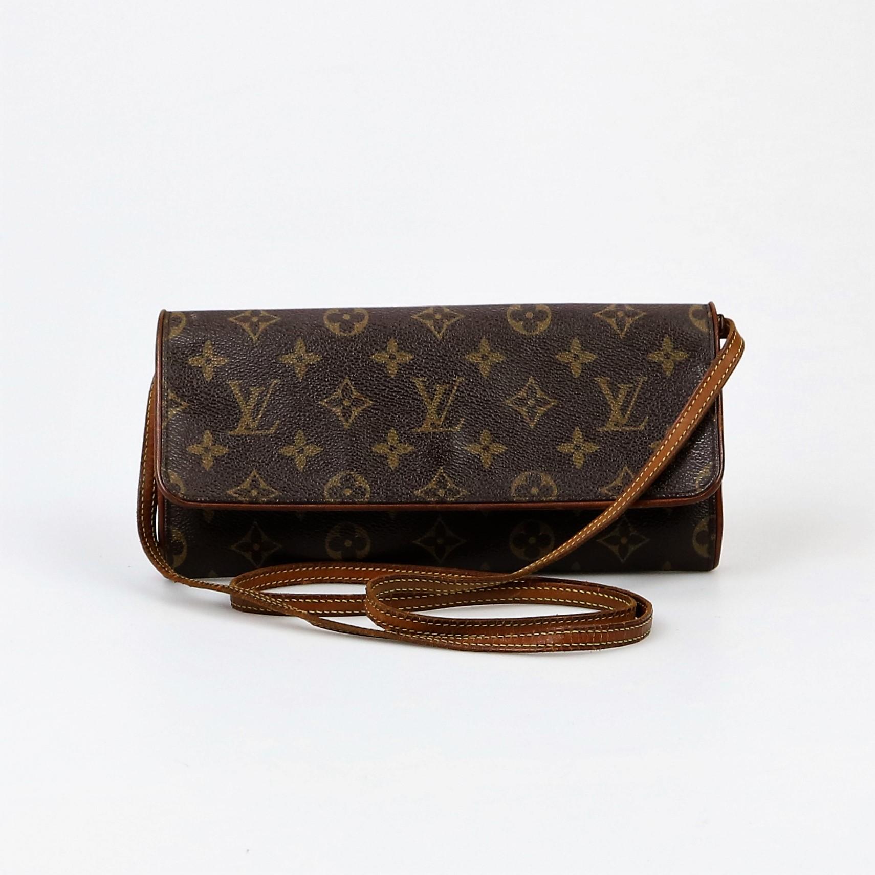 f8008e834c4b Louis Vuitton Twin Pouchette Bag