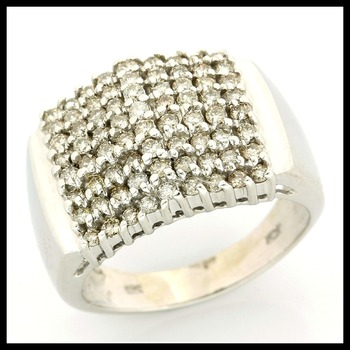 10k Whtie Gold 0.50ctw Genuine Diamond Ring Size 7.5