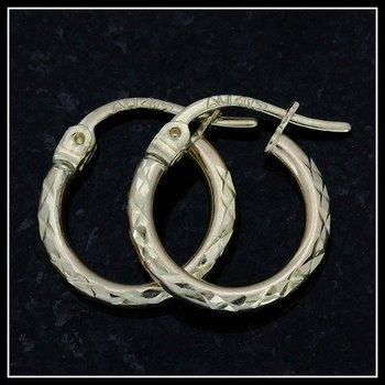10k Yellow Gold, 0.7 Grams Hoop Earrings