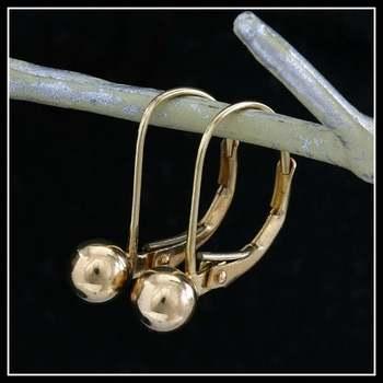 10k Yellow Gold, 0.7 Grams Leverback Earrings