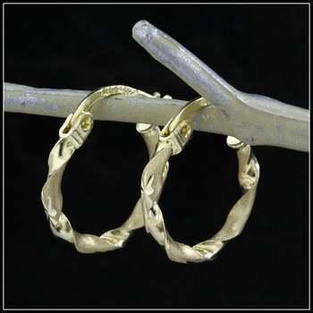 10k Yellow Gold, 0.8 Grams Hoop Earrings