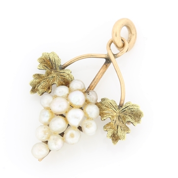 10k Yellow Gold Pearl Antique Necklace
