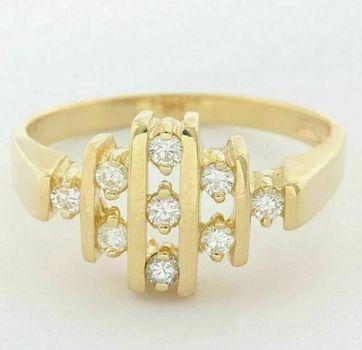 14kt Yellow Gold 0.25ct Round Brilliant Cut Diamond Ring Size: 7.5