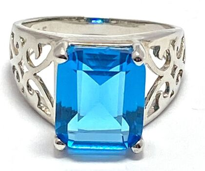 BUY NOW .925 Sterling Silver 9.50ct Man-made Blue Topaz Ring Size 6