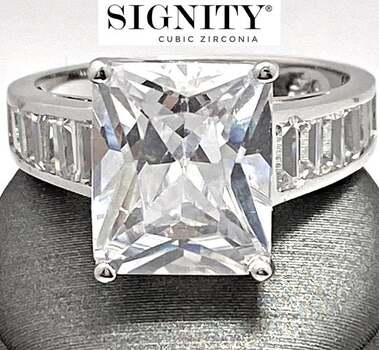 """Celebrity Jewelry Collection .925 Sterling Silver, 13.0ctw """"SIGNITY STAR"""" Cubic Zirconia  Ring Size 7"""