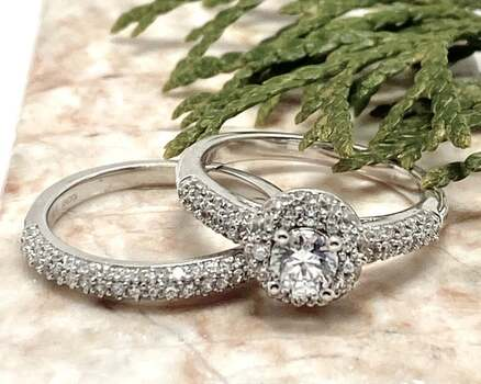 NO RESERVE .925 Sterling Silver, 1.25ctw White Diamonique Set of 2 Rings Size 7