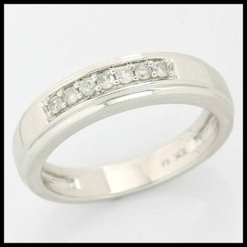 Solid 10k White Gold, 0.13ctw Genuine Diamonds Ring size 6 3/4