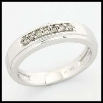 Solid 10k White Gold, 0.13ctw Genuine Diamonds Ring size 7