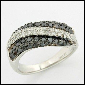 Solid 10k White Gold, 1.00ctw Genuine I-J/I1-I2 White & Black Diamonds Ring size 7